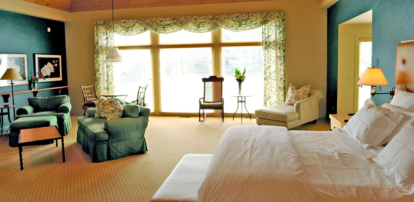 Luxury Ohio Inn Summer Getaway Special Discount